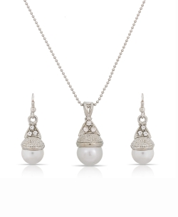 White And  Silver Alloy Pearls, American Diamonds Pendant Set