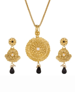 Gold Alloy Beads, Stones, Crystals Pendant Set